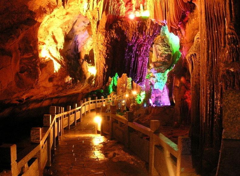 Beautiful scenery of Silver Cave in Lipu County, Guilin