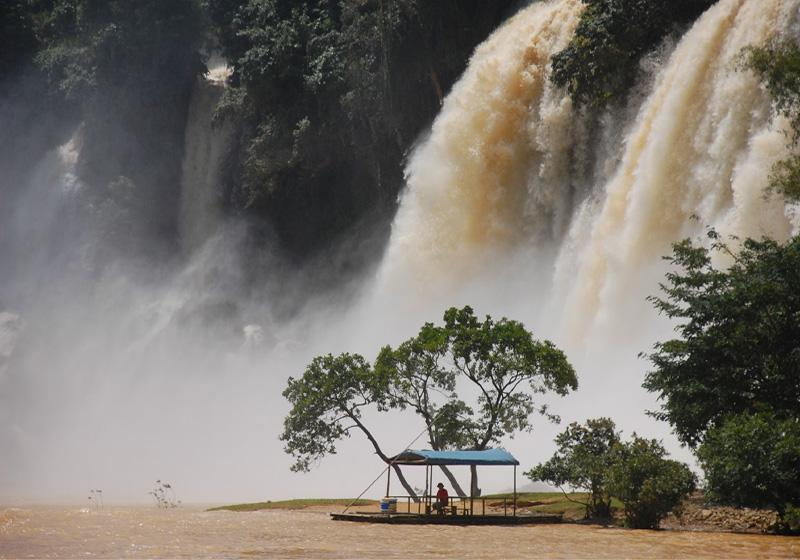 Detian Waterfall is the largest transnational waterfall in Asia and the fourth largest in the world