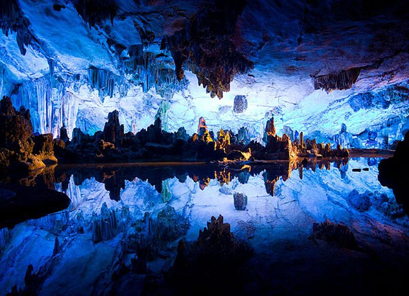 Yiling Cave is a palace-like one which worth a visit during your Nanning tour in China