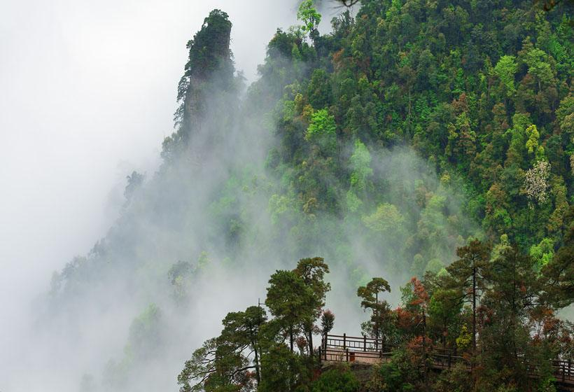 Daming Mountain in Nanning is as beautiful as paradise in mist