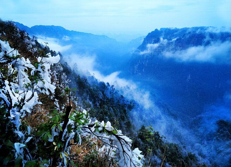 Beautiful scenery of Daming Mountain in Nanning under snow