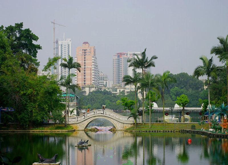Renmin Park in Nanning of Guangxi has 6.6 hectares of waters among the total area of 51.3 hectares