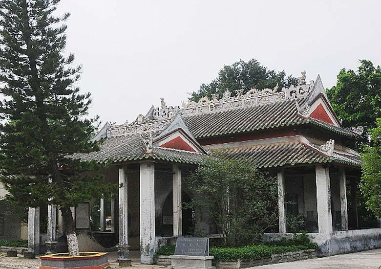 Dongpo Pavilion in Beihai has the main and accessory pavilions two parts