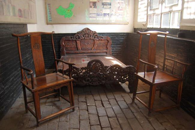 Ancient bed and chairs