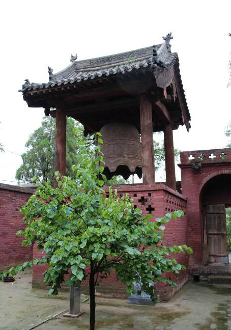 The bell tower of Zhenguo Temple.
