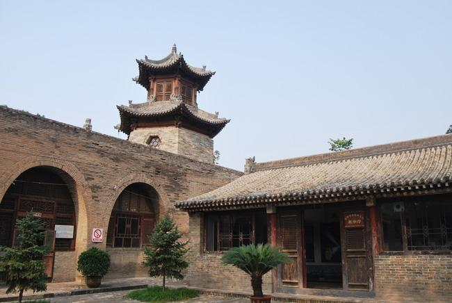 Zhangbi Ancient Castle is a well-preserved pocket castle.