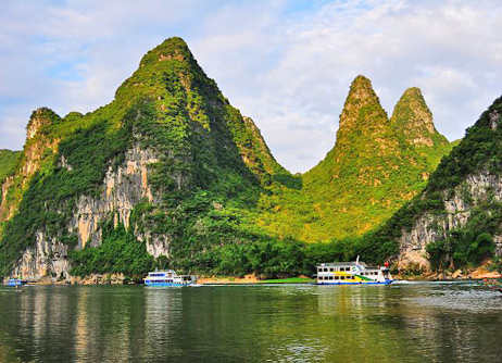 11 Days Picturesque Beijing, Xi'an, Guilin, Yangshuo, Shanghai Tour
