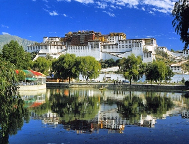 12 Days Classical China Train Tour to Shanghai, Chengdu, Lhasa, Xining and Beijing