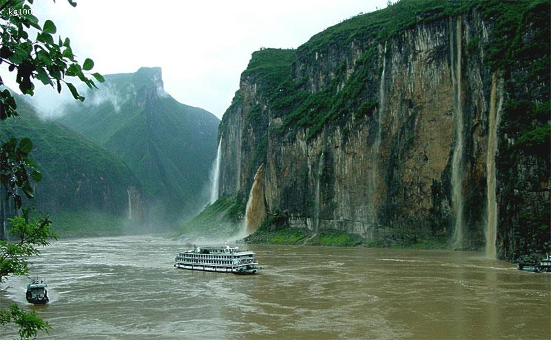 16 Days HongKong, Guilin, Chongqing, Shanghai, Beijing Budget Tour with Yangtze Cruise