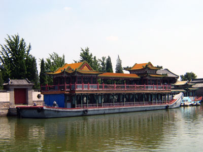 Beijing to Guilin (B, L)