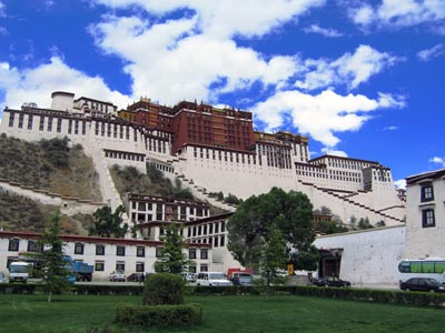 9 Days Xining, Lhasa, Chengdu Train Tour