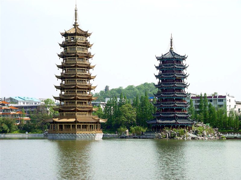 14 Days Beijing, Xi'an, Shanghai, Guilin, Hong Kong Budget Tour
