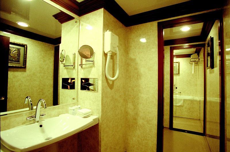 President Suite Toilet