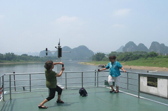 Enjoy the Li River cruise from Yangshuo to Pingle