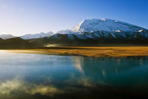 Karakuri Lake in China's Xinjiang