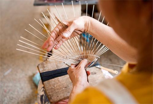 Intangible cultural heritages in Guilin -traditional handicrafts