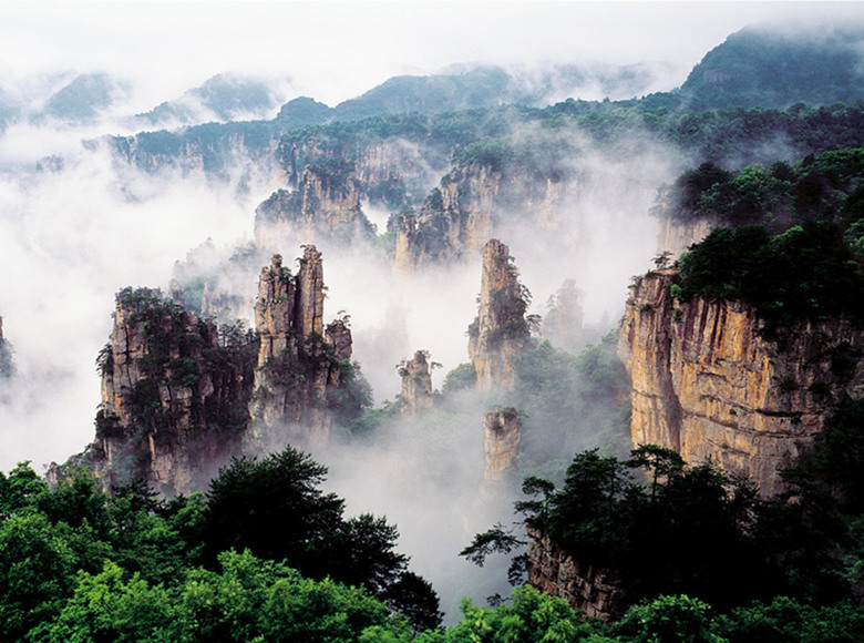 14 Days China Bullet Train Tour with Picturesque Scenery
