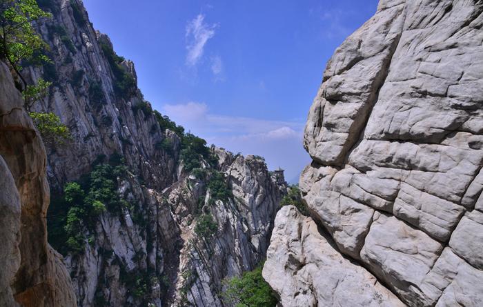 Song Mountain, Zhengzhou Mt.Songshan Guide, Henan