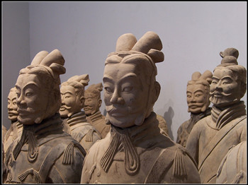 The Terracotta Army and Horses, Mausoleum of Emperor Qin Shihuang One Day Bus Tour