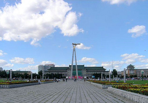 Culture Square is the largest leisure square in the city of Changchun.