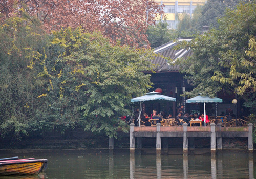 Teahouse is a distinctive feature of Chengdu City.