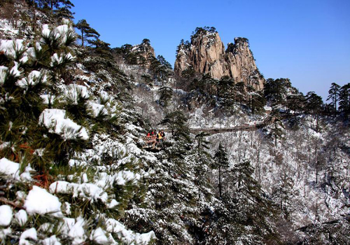 Snow scenery of Huangshan Mountain in E China