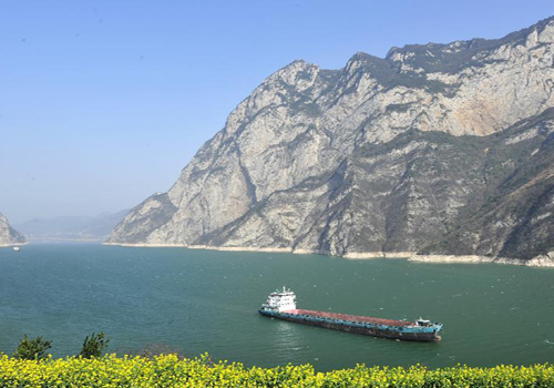 Spring scenery in Three Gorges