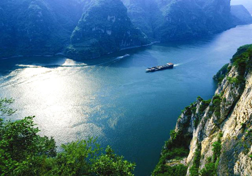 Take a visit to Yangtze River