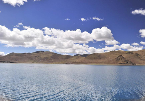 Yamzhog Yumco Lake in Tibet