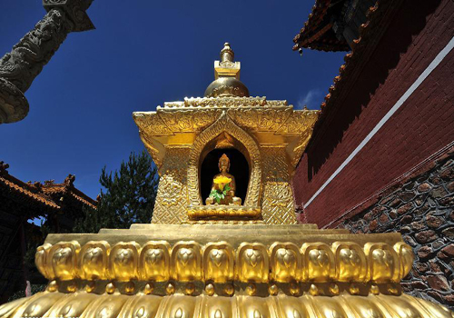 Mount Wutai home to 50 ancient Buddhist temples