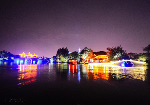 Slender West Lake unveils night tour service