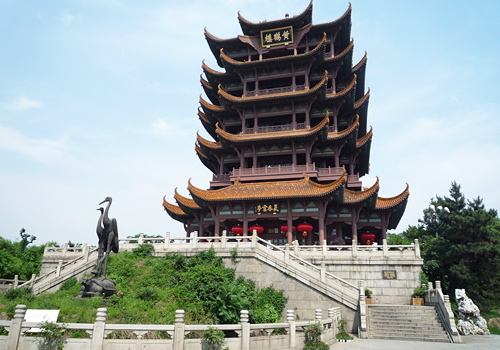 As one of the symbols of the Wuhan city, the Yellow Crane Tower is standing on the top of the Snake Hill.