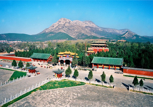 Zhongyue Temple is a Taoist temple located at the southern foot of Taishi Mountain,a range of Mt.Songshan in central china.
