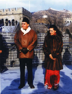 Indian Premier La Gandhi is Visiting the Badaling Great Wall